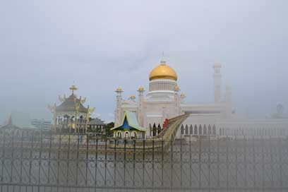 Mosque Bandar-Seri-Begawan Brunei Golden
