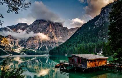 Italy Lake Pragser-Wildsee Mountains Picture