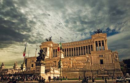 Vittorio-Emanuele-Monument  Rome-Palace Rome Picture